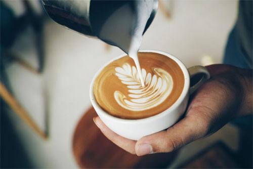 Quais são características cappuccino?