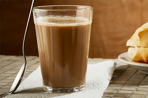 O que vai bem com café com leite?