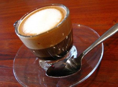 Quais são as características do café mocha?