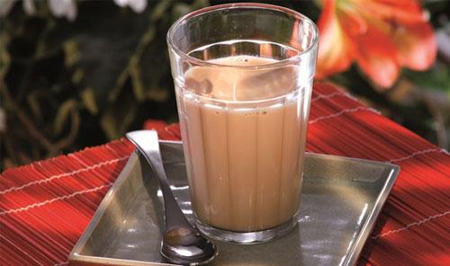 Quais são as características do café pingado?