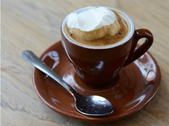 Como preparar o creme para o café panna